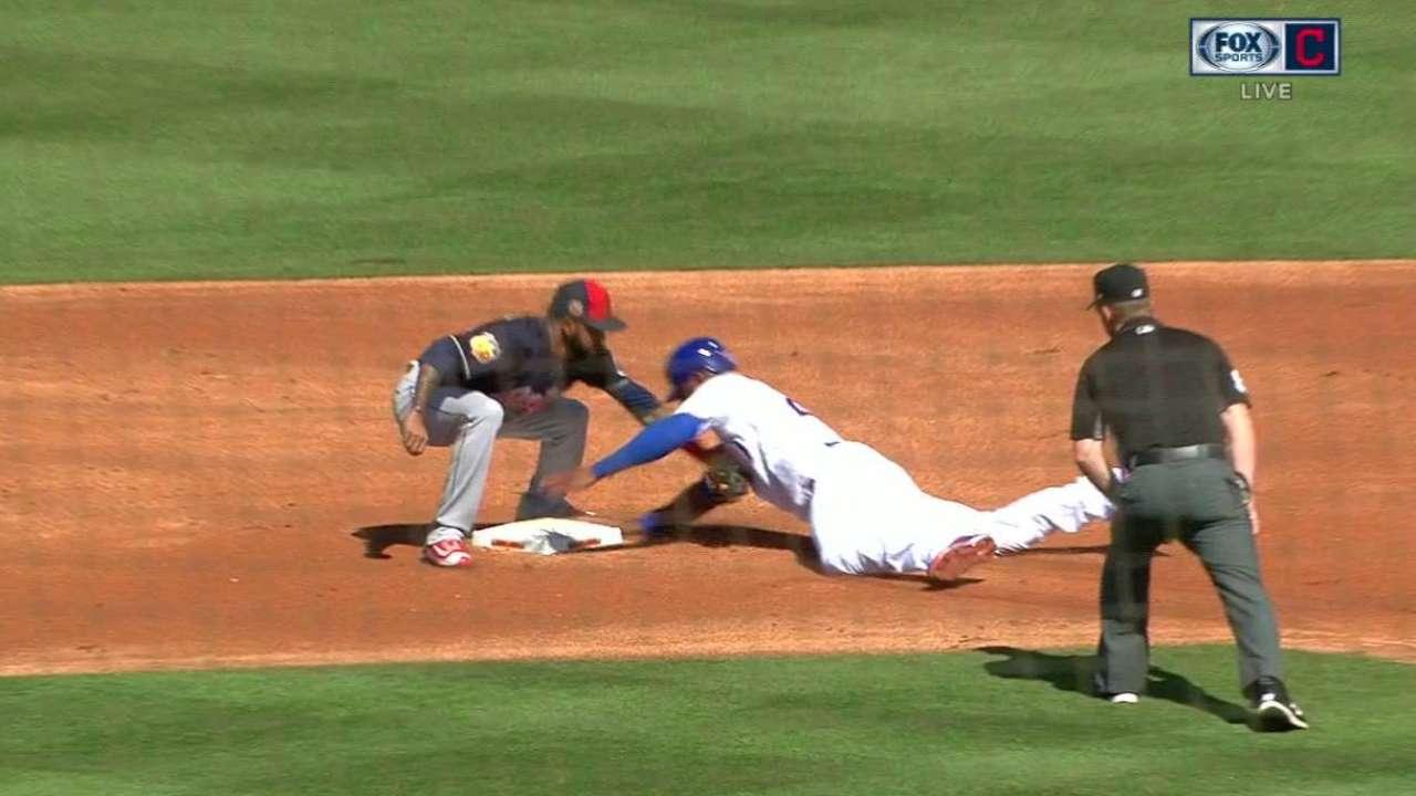 Perez catches Heyward stealing