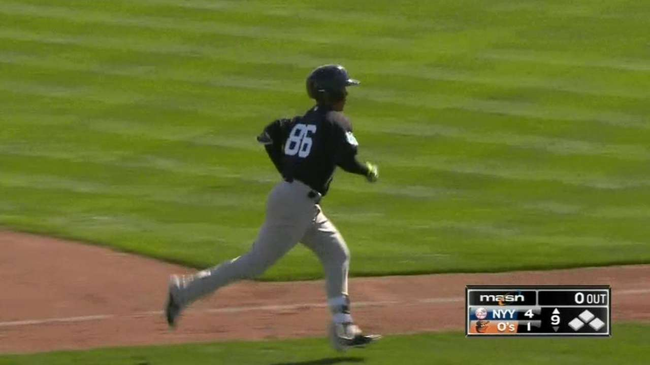 Estrada's clutch three-run homer