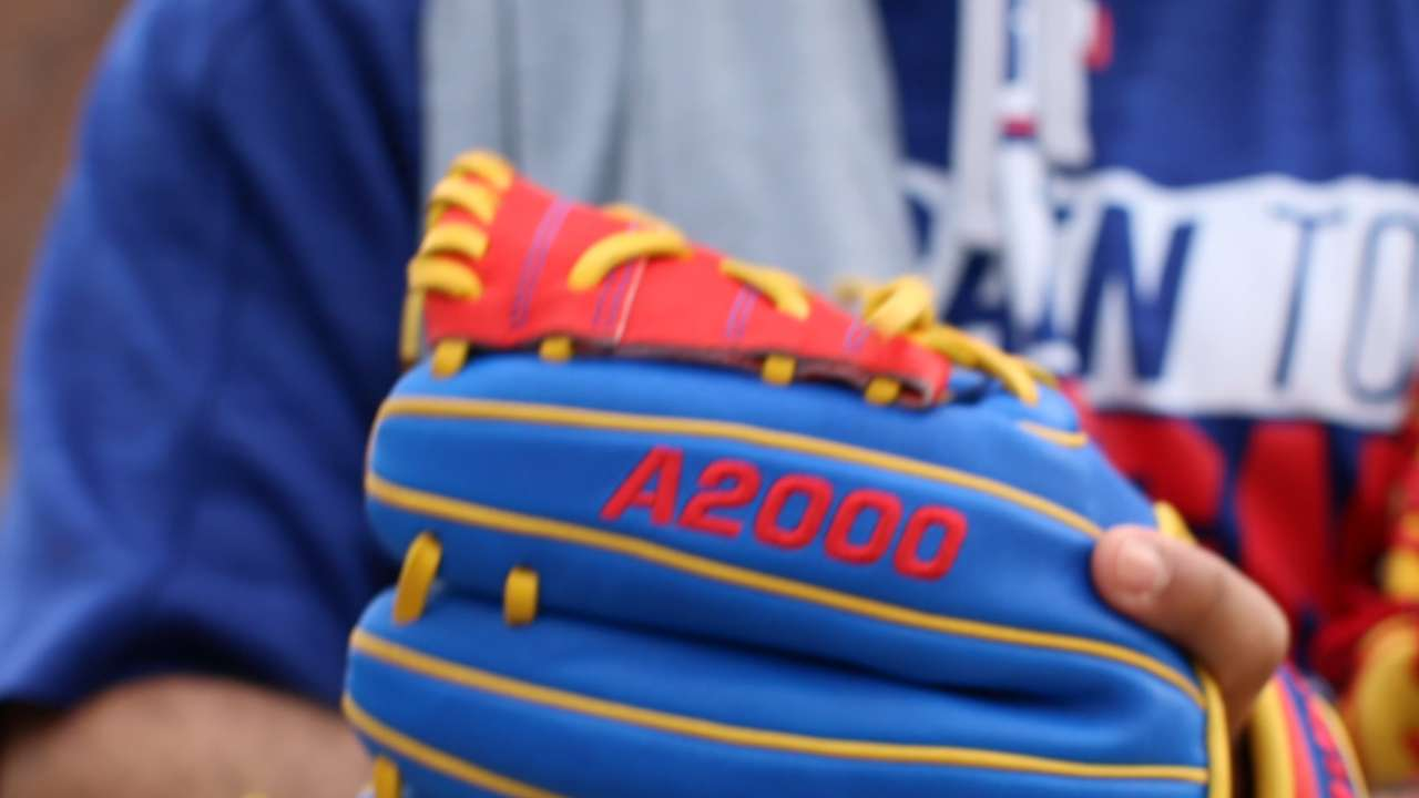 Glove Day timing perfect for Rangers' Robinson