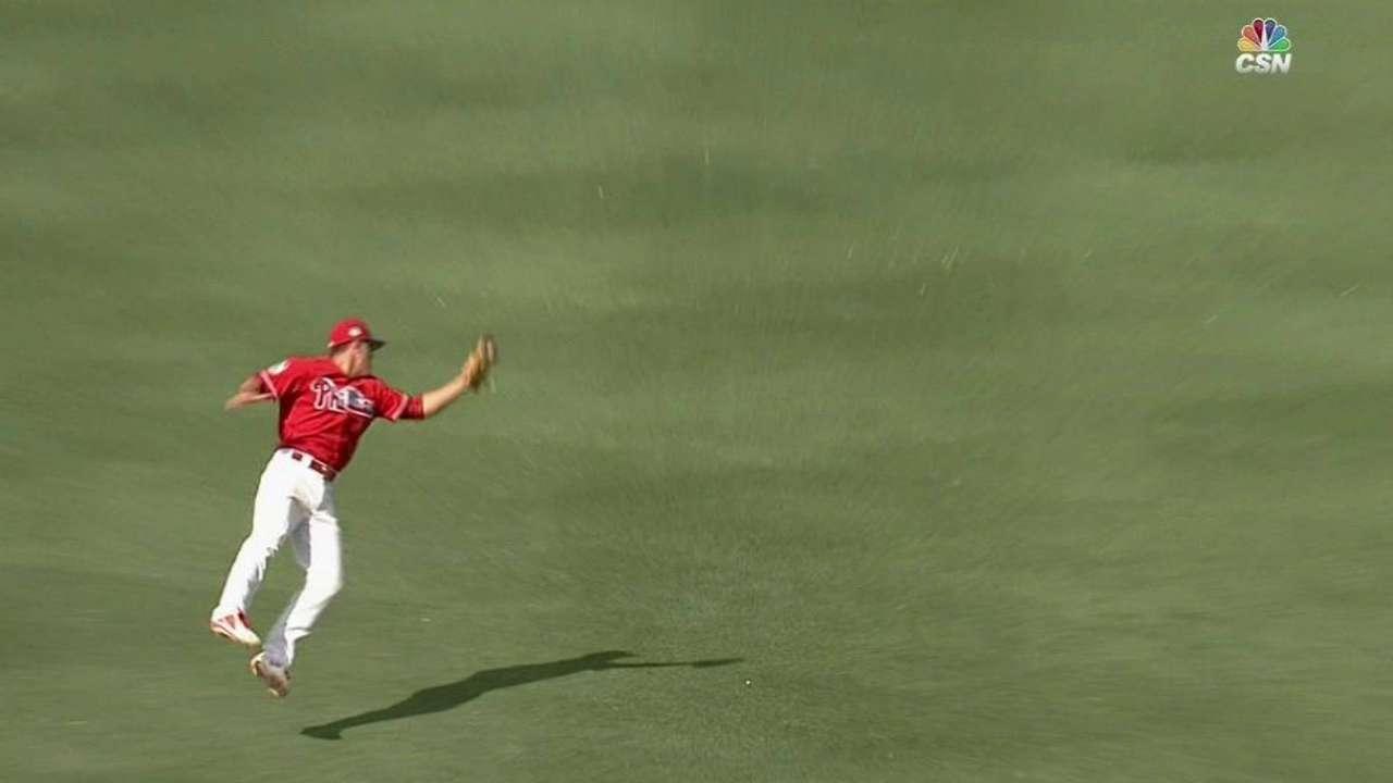 Kingery's fantastic leaping grab