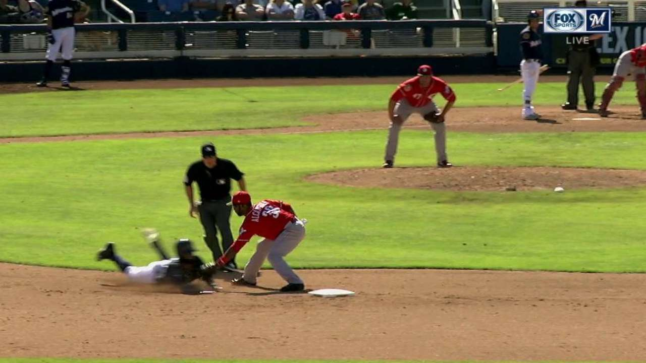 Barnhart throws out Villar