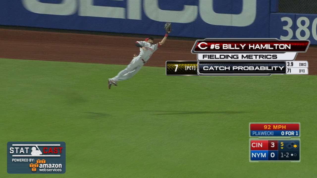Statcast: Hamilton's flying grab