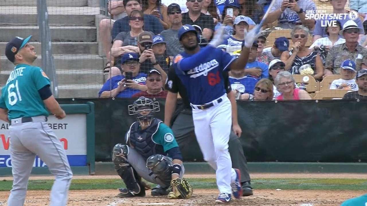 Yasiel Puig intenta recuperar su puesto con los Dodgers