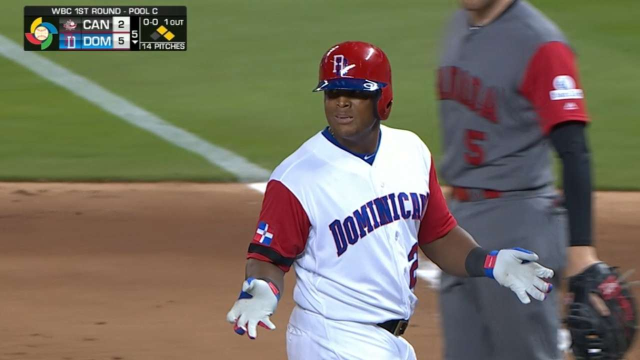 Beltre tests right calf with pregame running