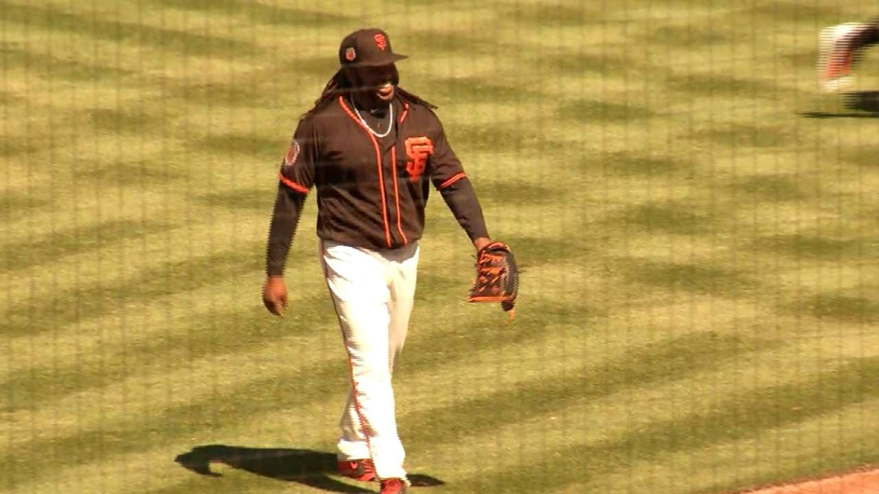 Cueto fans Hudson to end 2nd