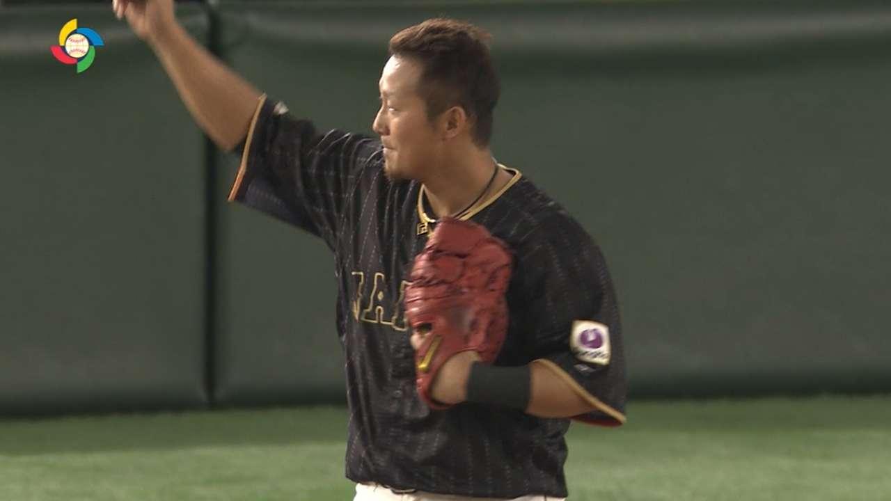 Nakata's three-run homer