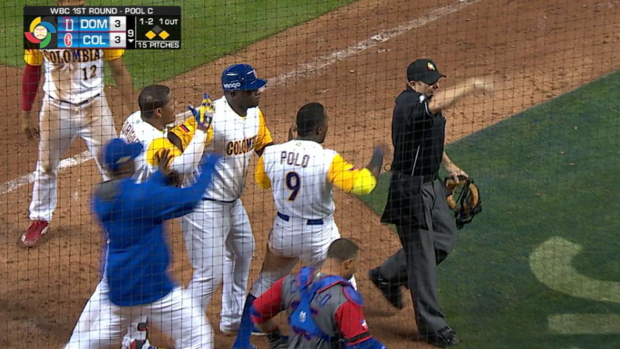 Dominicana vence a Colombia en 11 innings y compra pase a San Diego