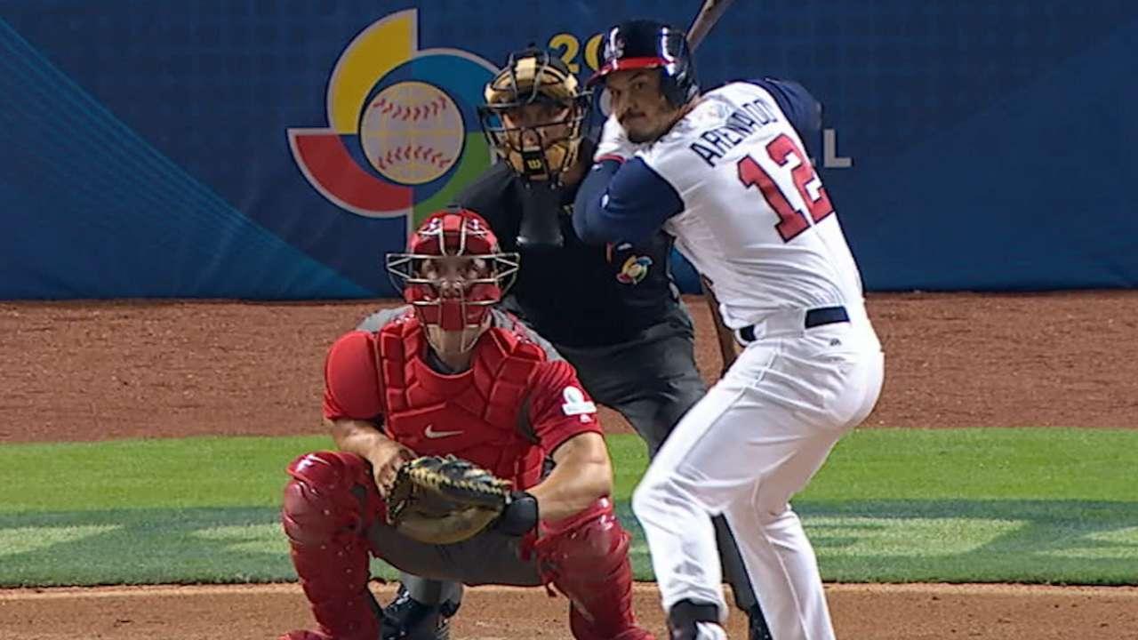 Arenado's three-run homer