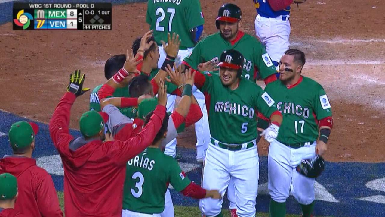 Mexico edges Venezuela but out of Classic