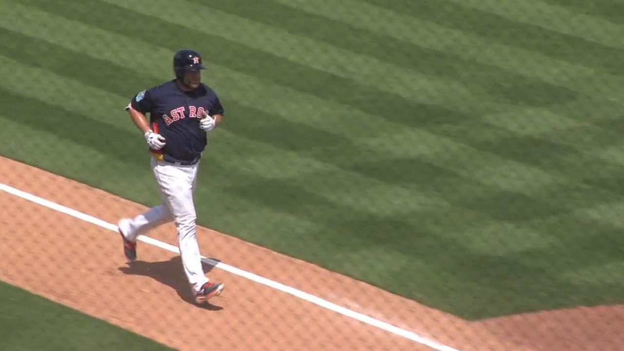 McCann belts 1st spring homer vs. Mets
