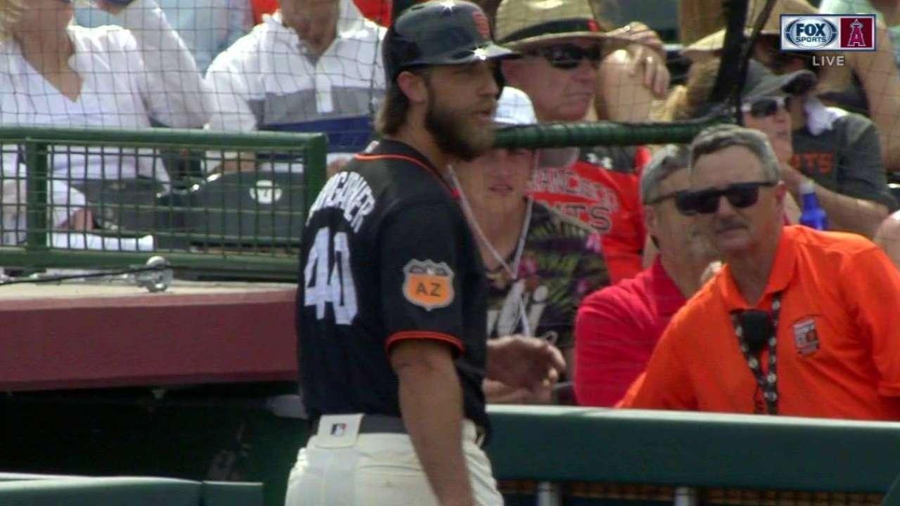 Bumgarner's bat finds the stands