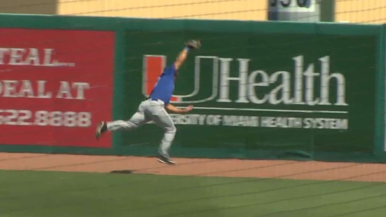 Tebow's leaping catch