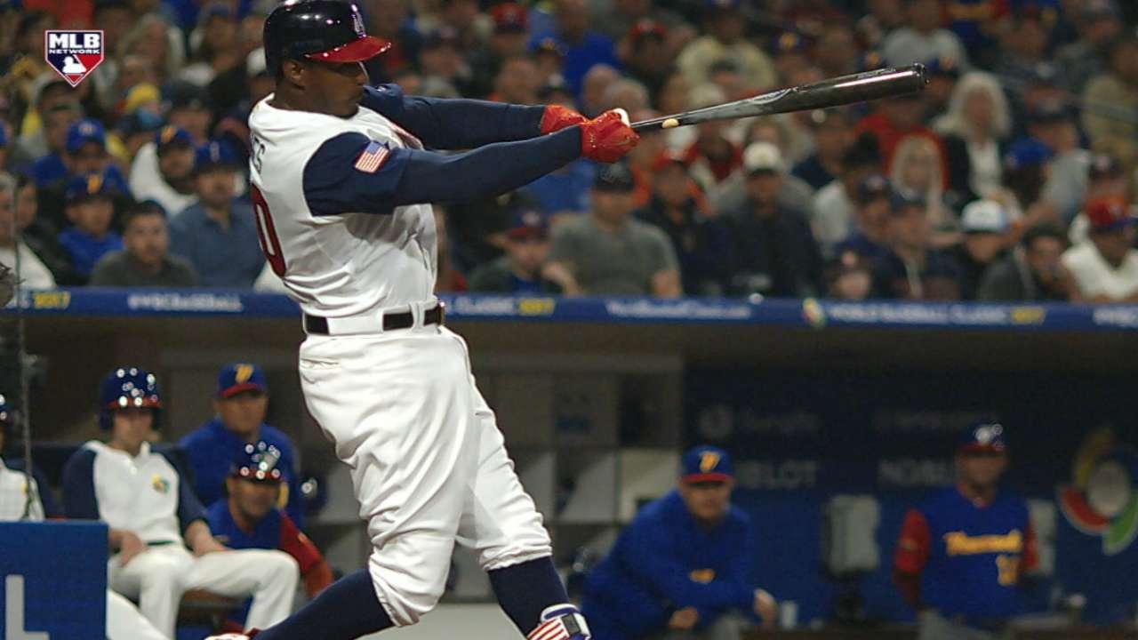 Jones' game-tying solo homer