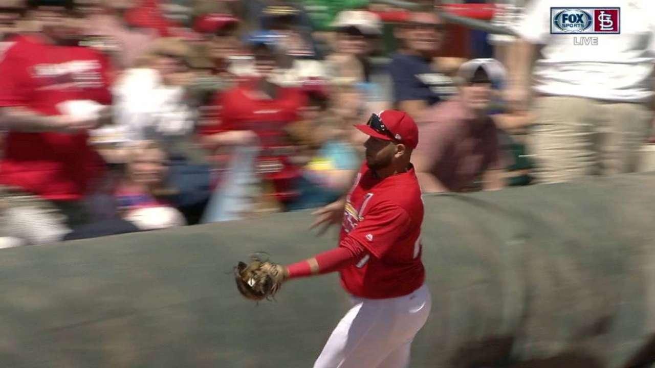 Mike Matheny indica que Jhonny Peralta será el tercera base titular de Cardenales