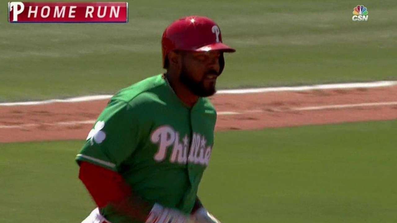 Kendrick blasts three-run homer