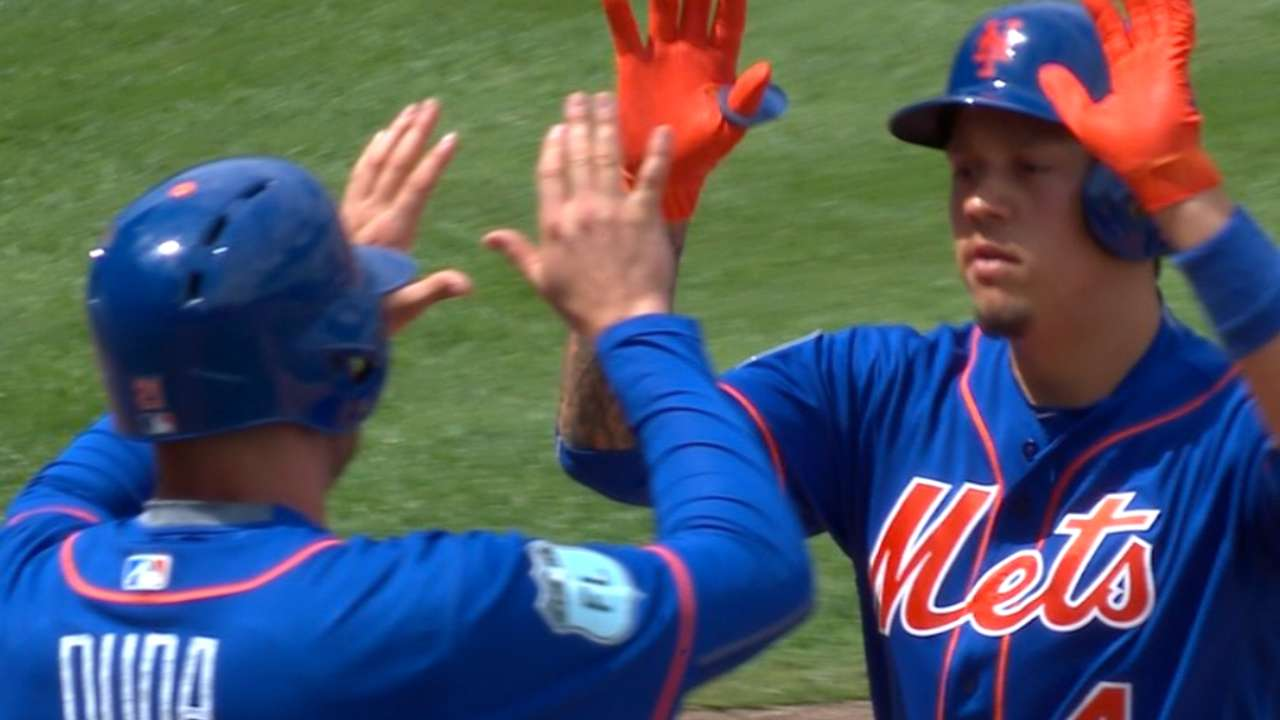 Flores' huge game highlights his value to Mets