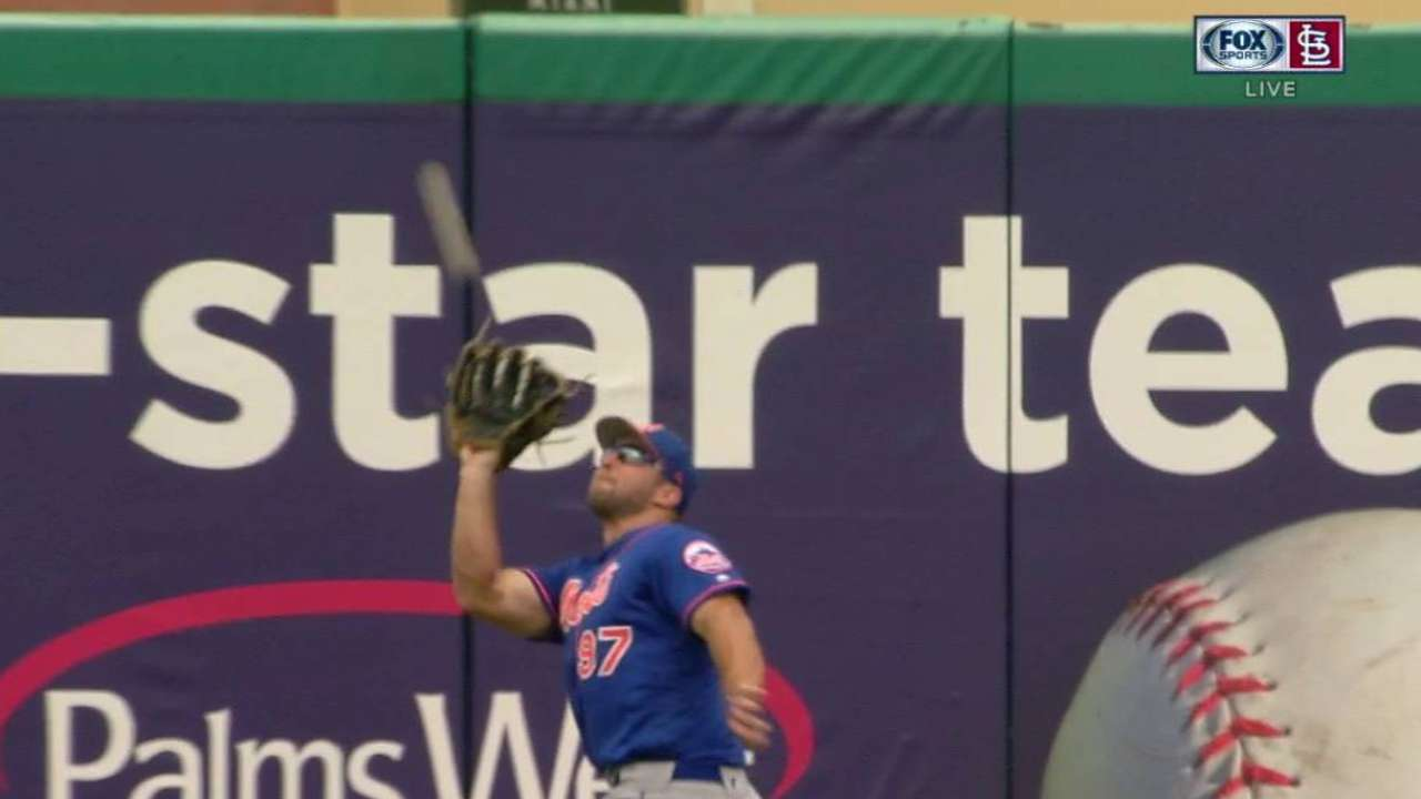 Tebow catches Peralta's fly