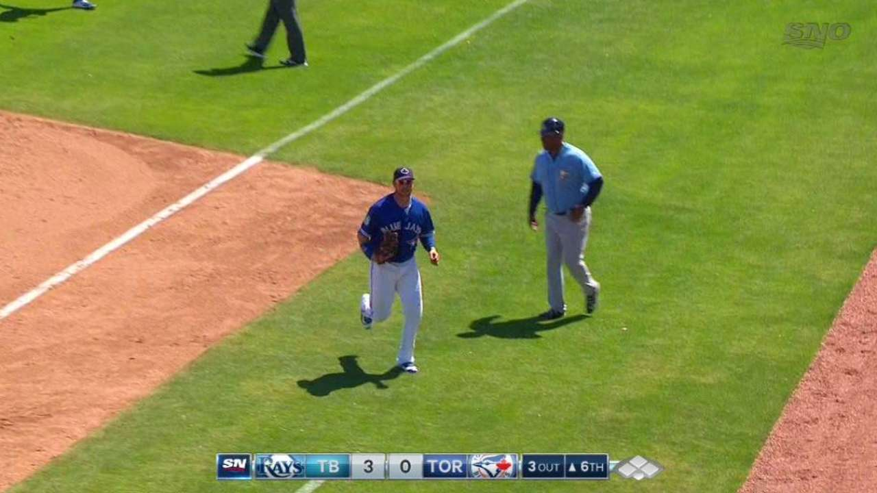 Smoak's leaping grab at first