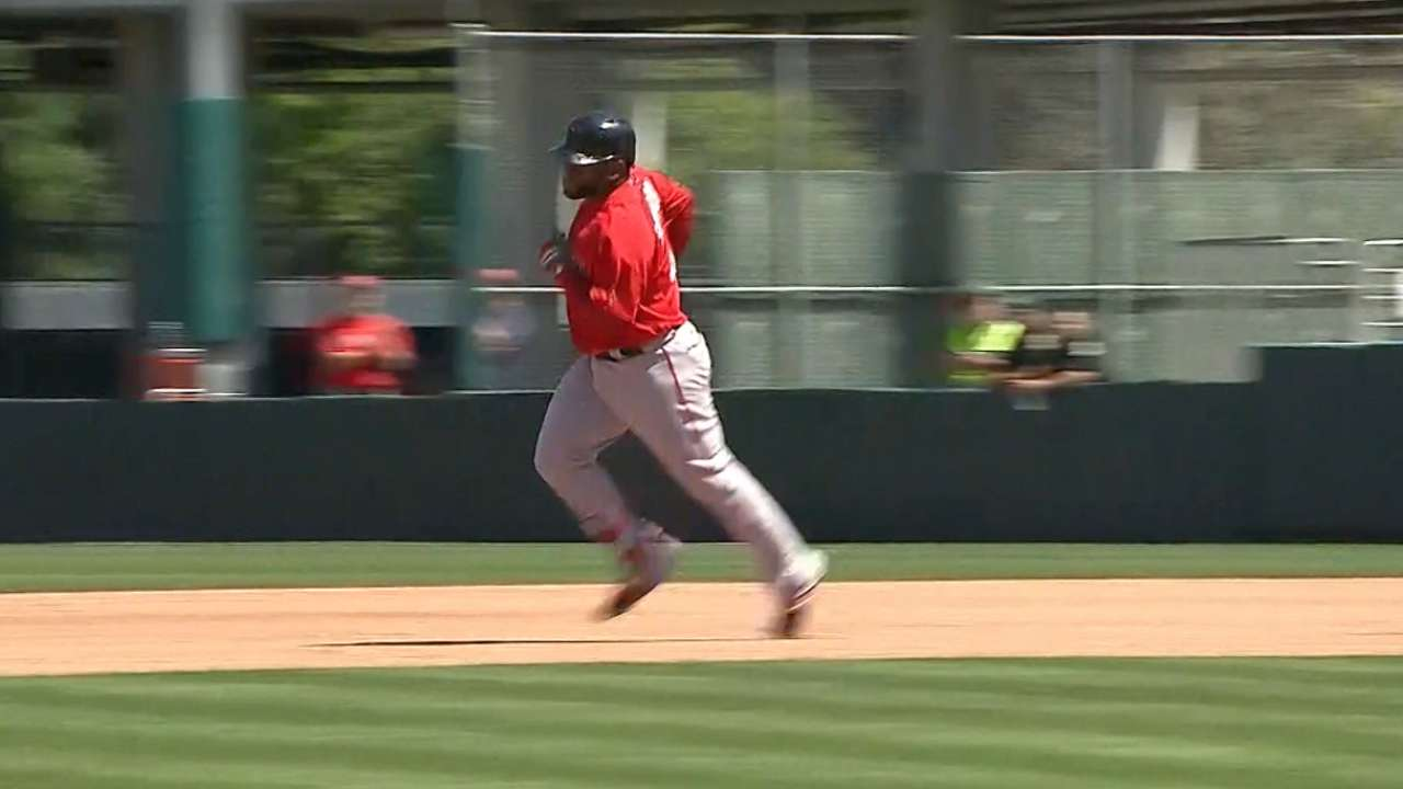 Sandoval powers the Red Sox