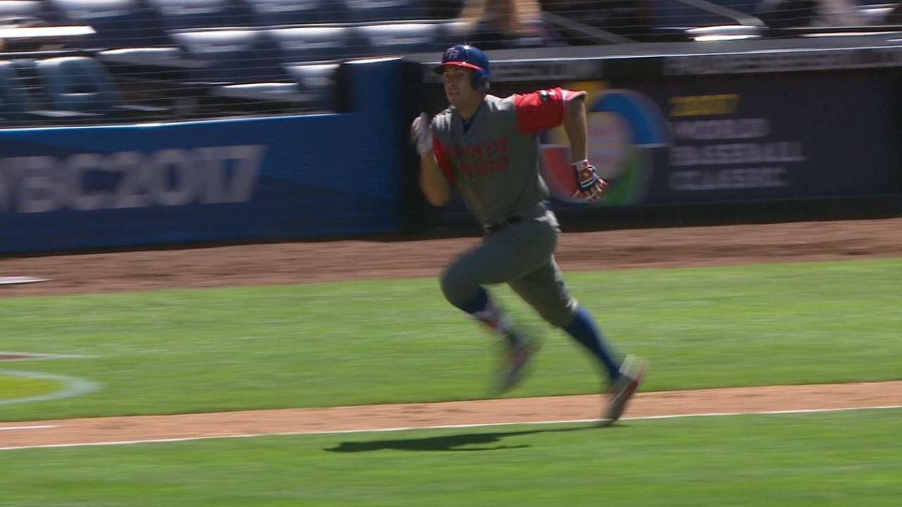 Statcast: Rivera runs to first