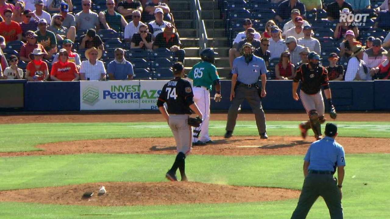 Mack's bases-loaded walk