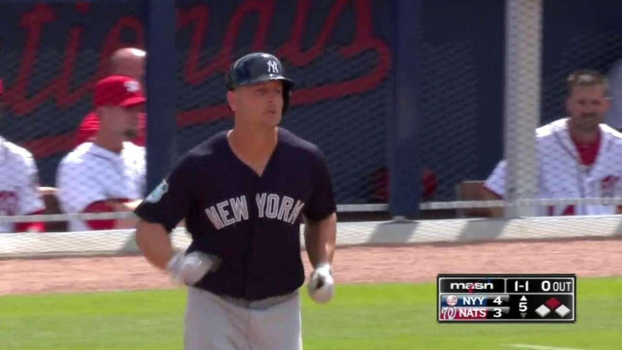 Holliday, Gardner lead way as Yanks rout Nats