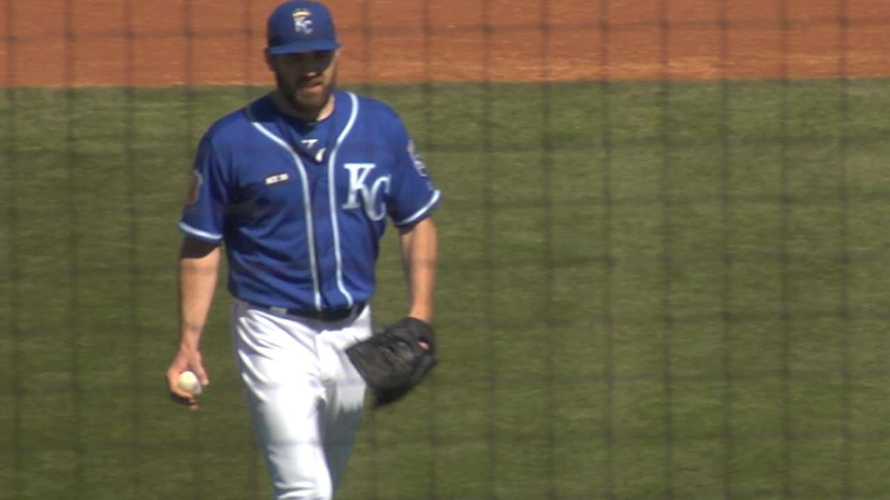 Karns named No. 5 starter; Young, Wood to bullpen