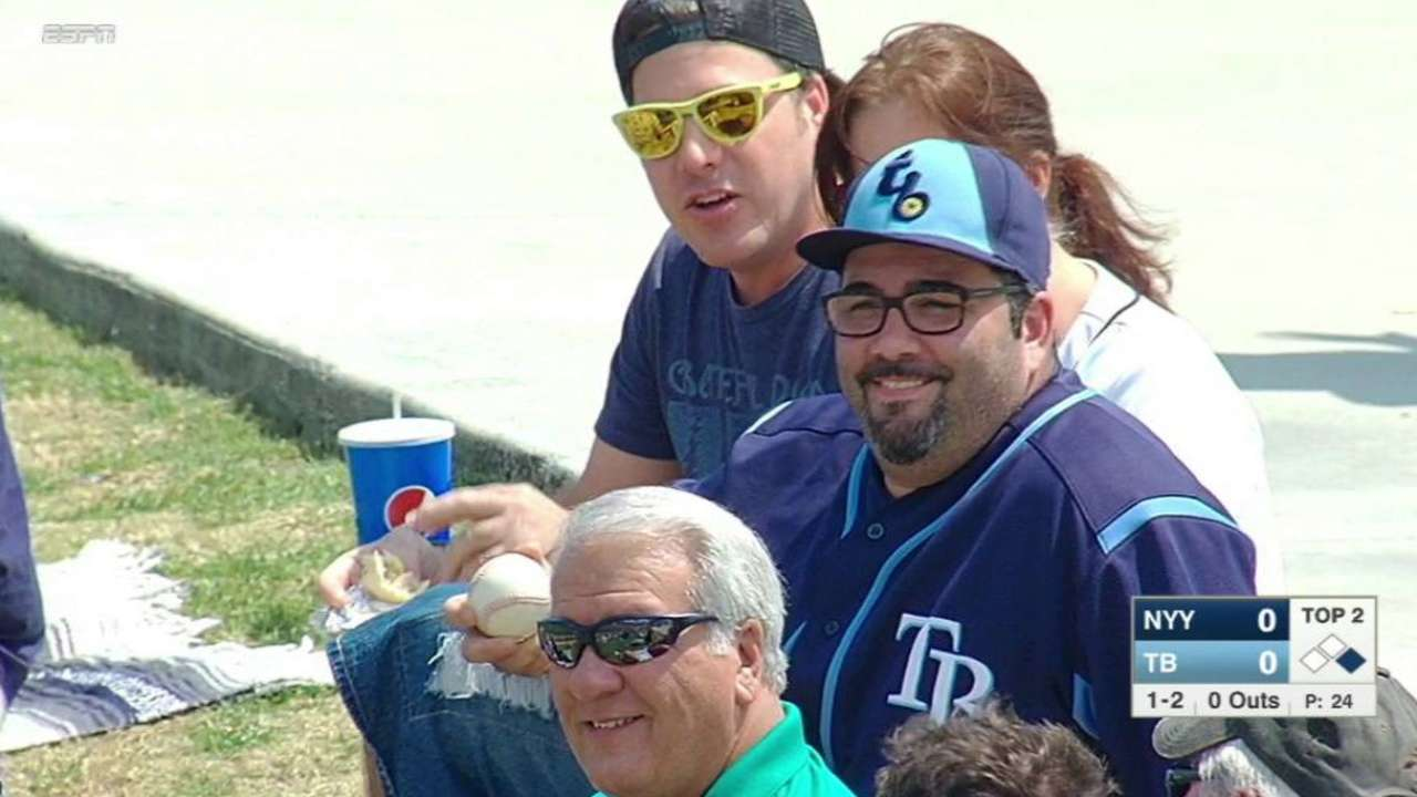 Rays fan makes stellar hat catch