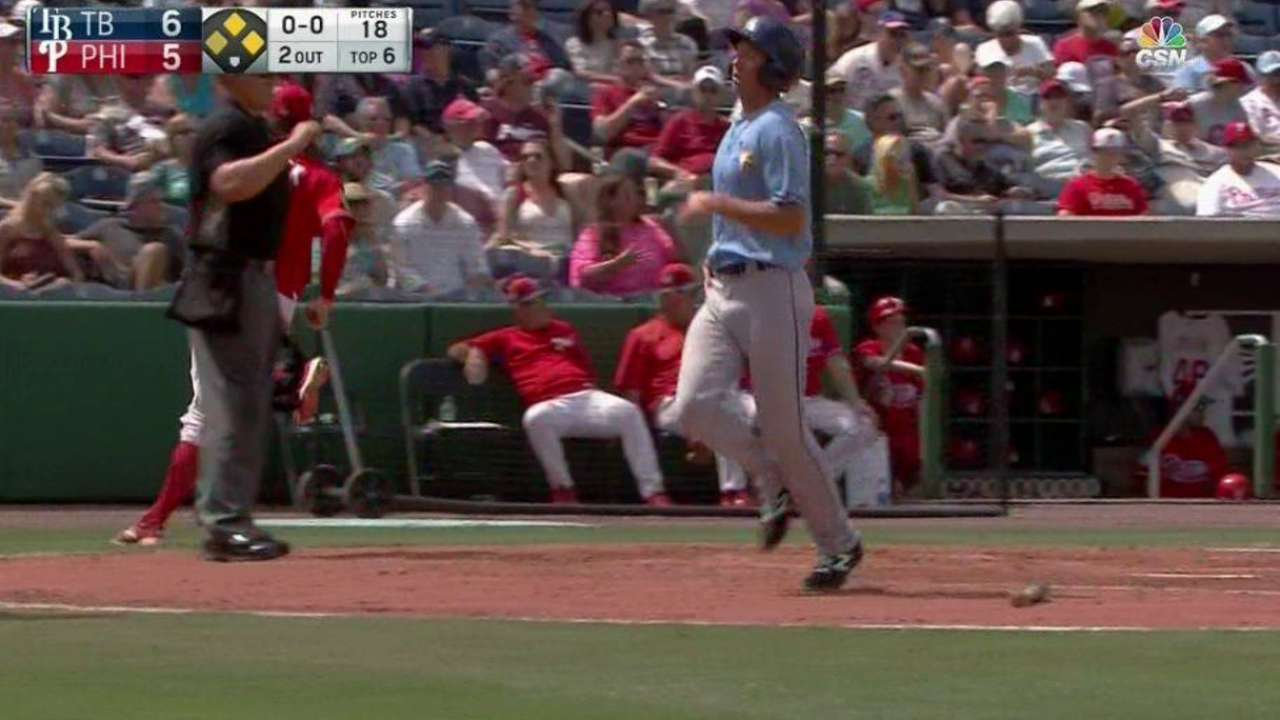 Fraley's RBI single extends lead
