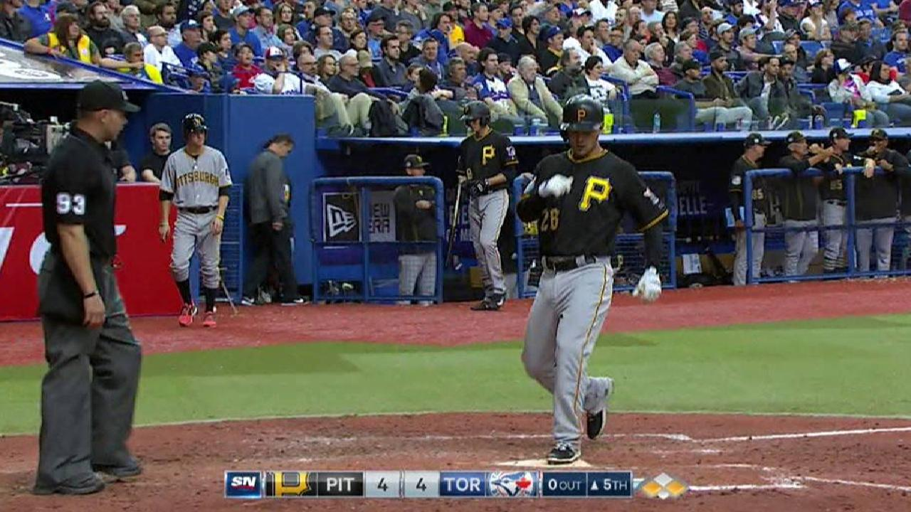 Wood's RBI single ties the game