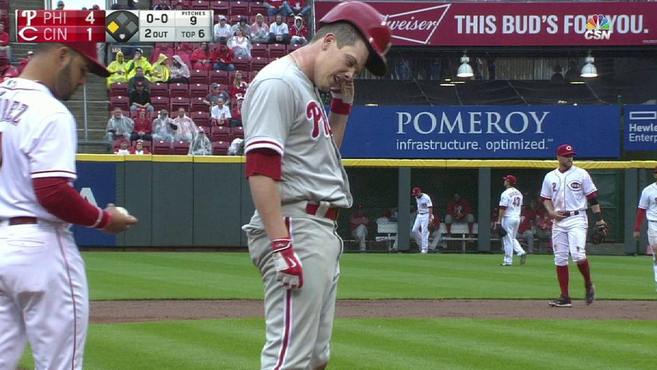 Hellickson helps himself with RBI triple