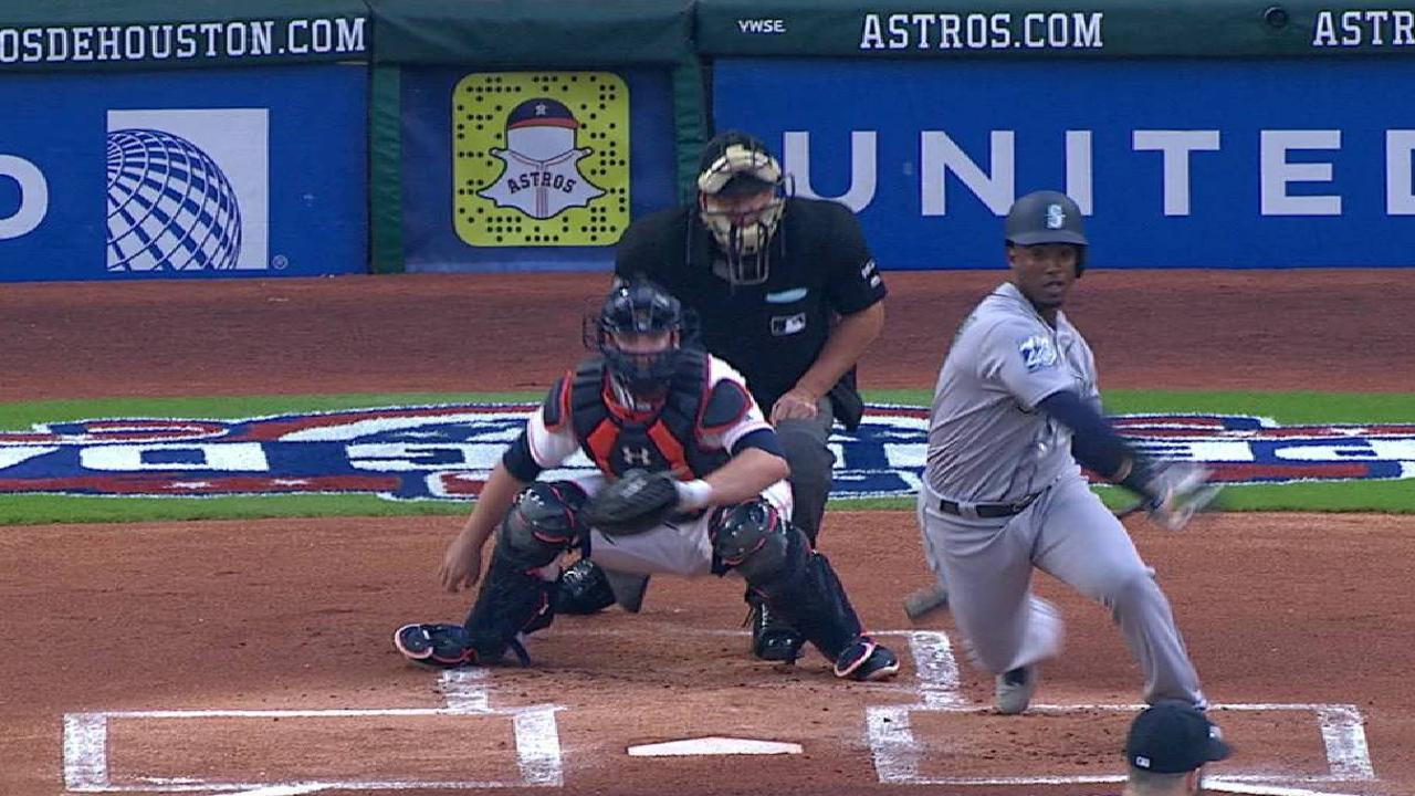 Segura's first hit as a Mariner