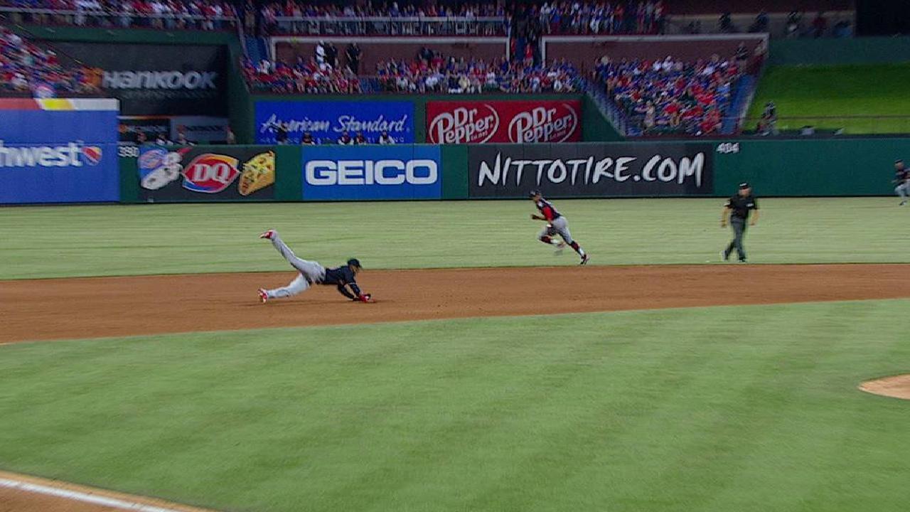 Diaz's nice diving catch