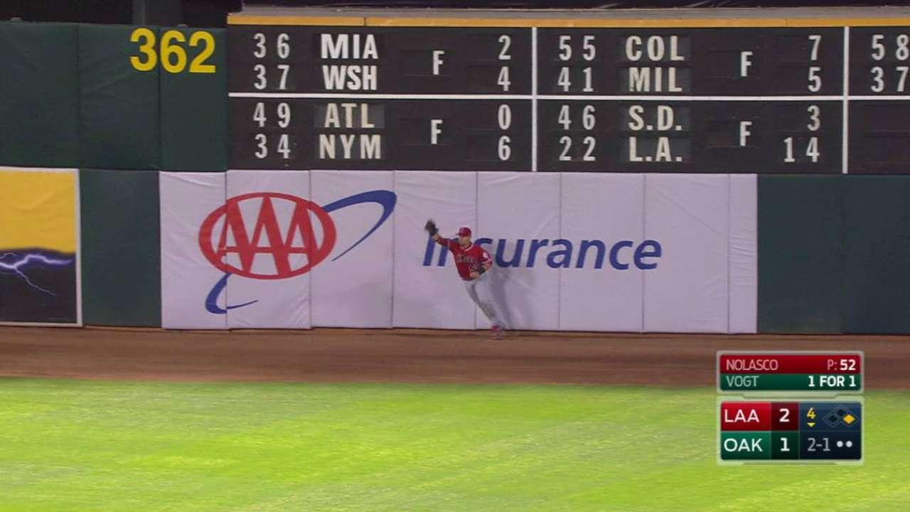 Calhoun's outstanding catch