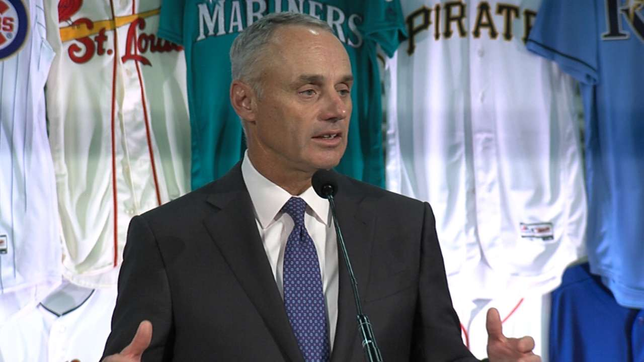 MLB, Fanatics to keep manufacturing in U.S.