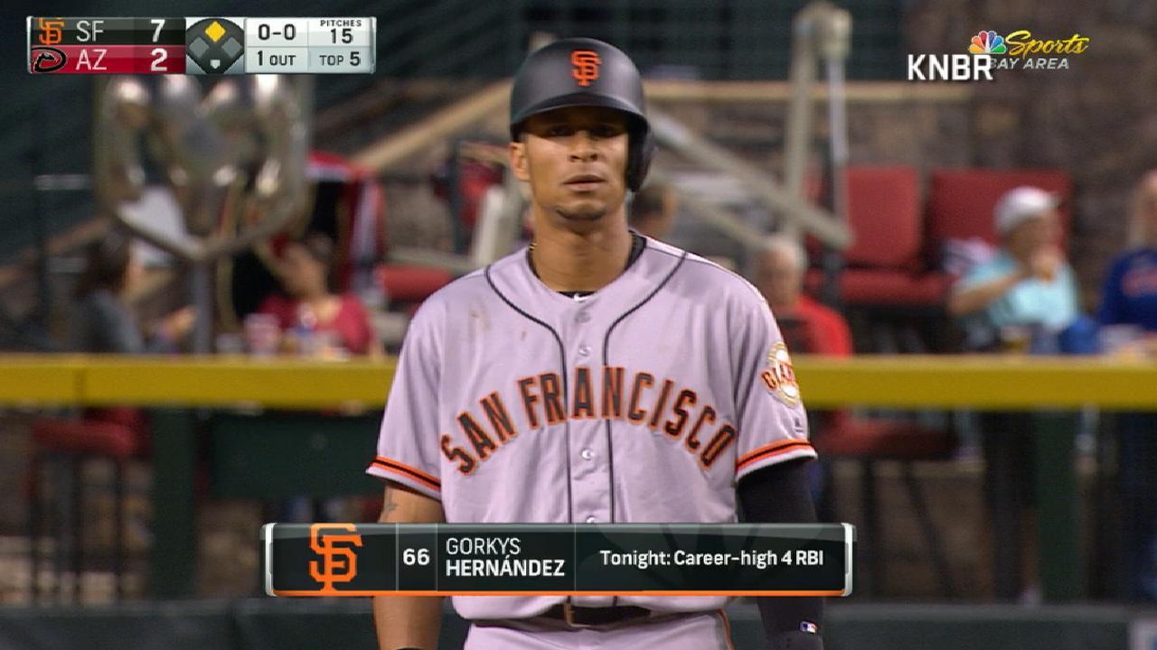 Hernandez rewards Giants' faith with career game