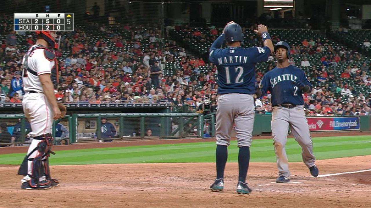 Segura's two-run homer