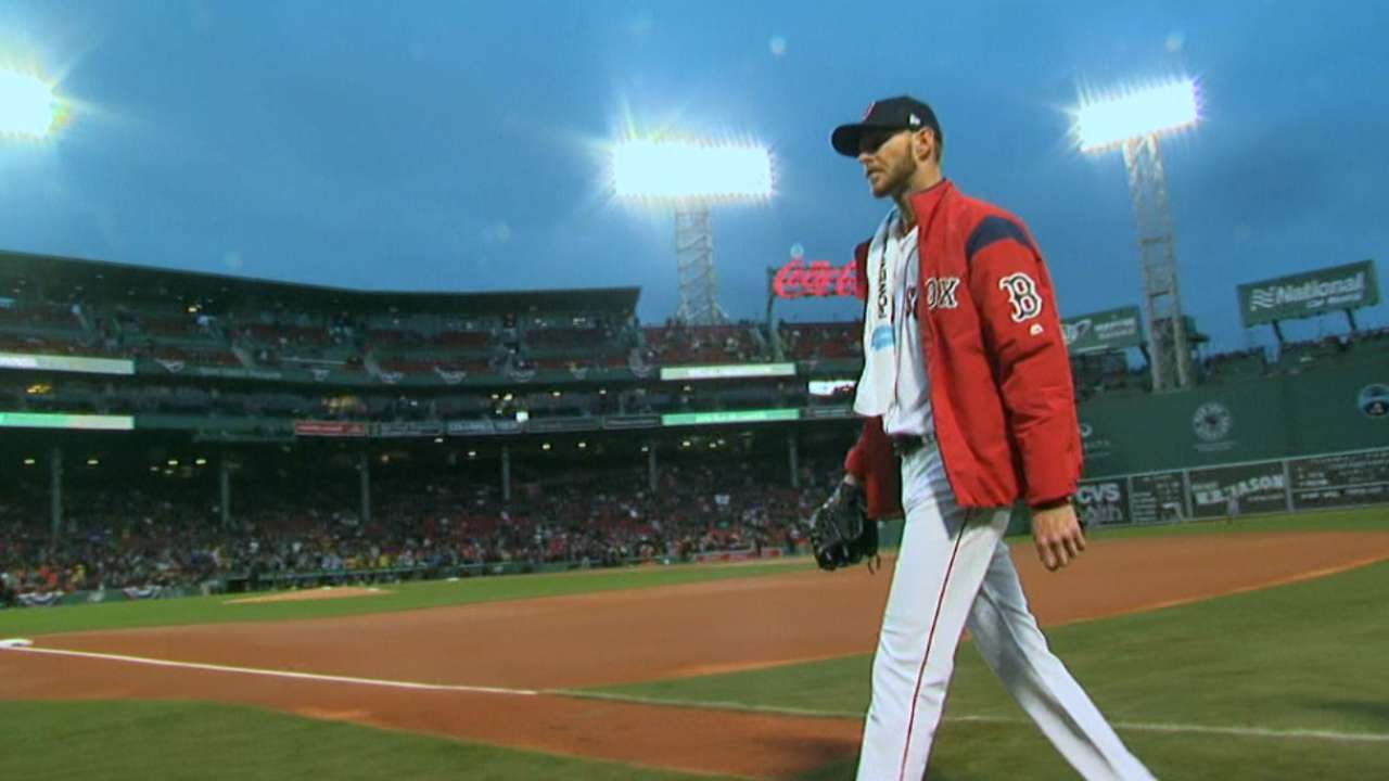 Sale fans seven in Red Sox debut