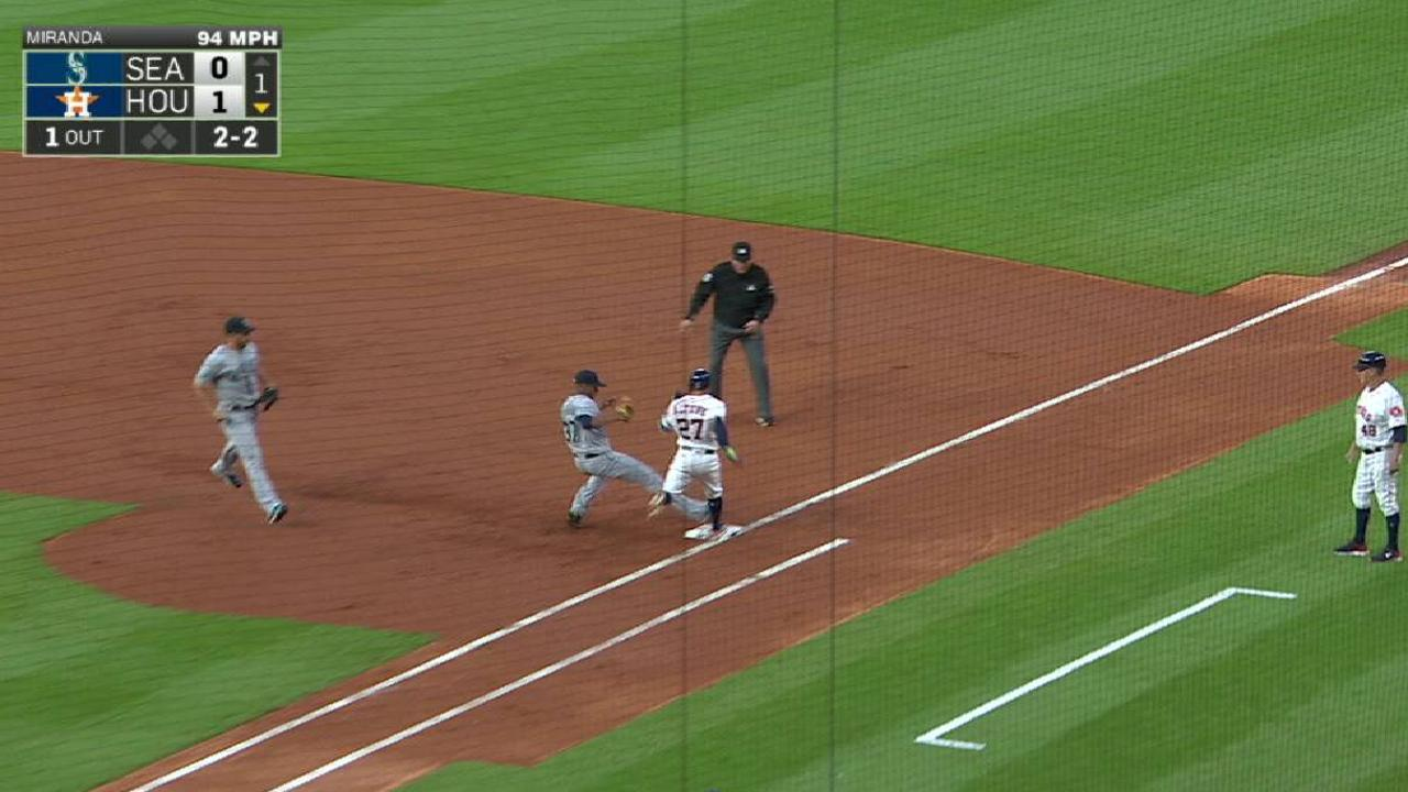 Altuve hustles, beats out single