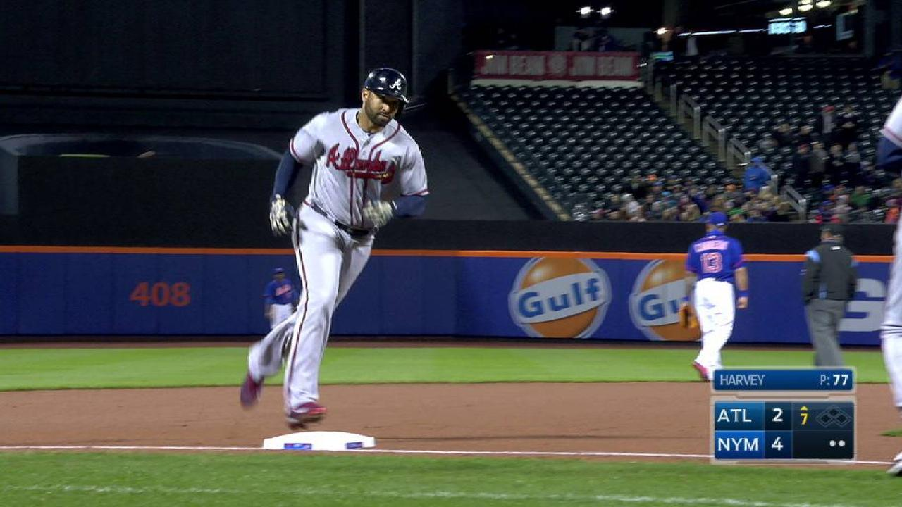 Kemp's second solo homer