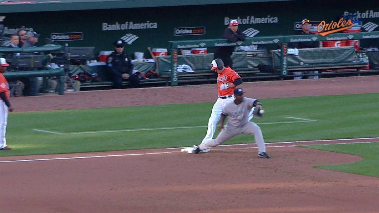 Trumbo's RBI fielder's choice