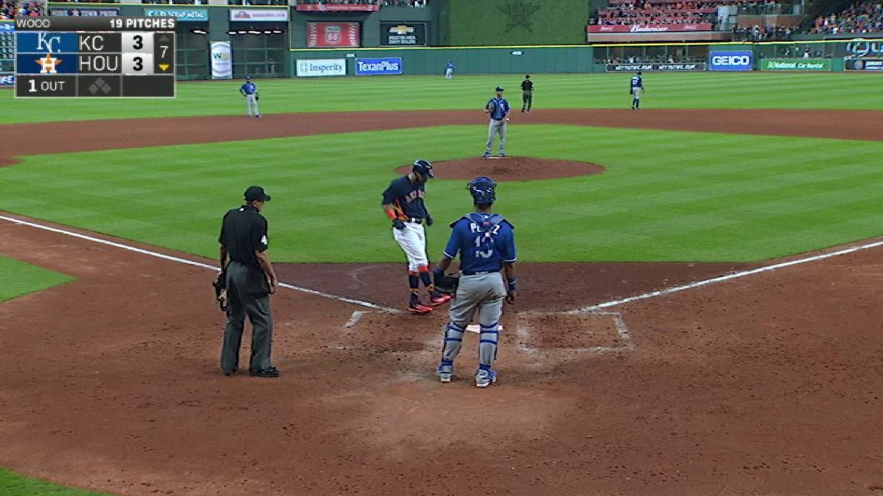 Base por bolas a Gattis en la 12ma define victoria de Astros