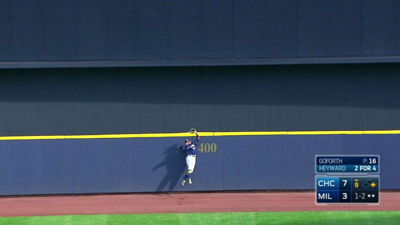 Broxton's leaping grab at wall