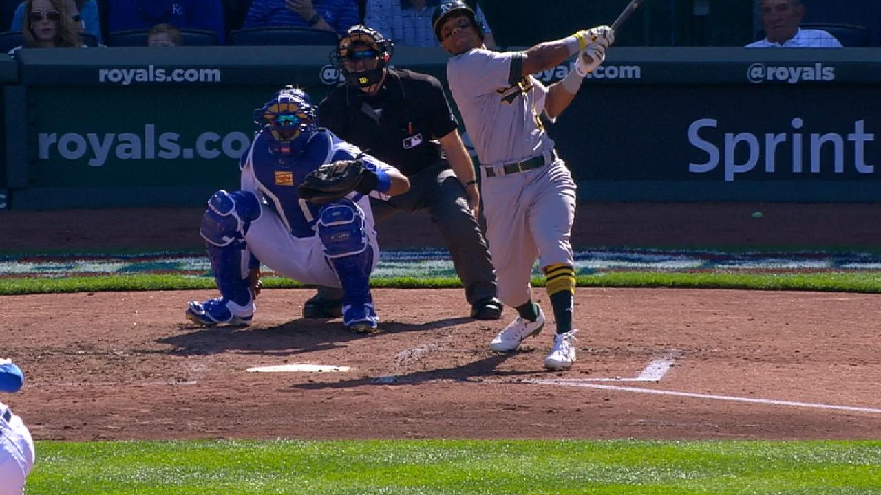 Khris' 4th homer enough for Cotton in KC