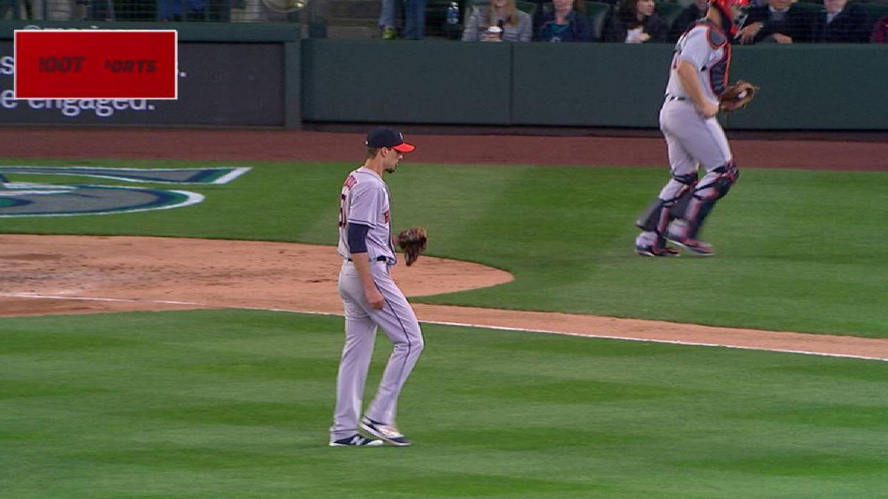 Astros' finale in Oakland postponed due to rain