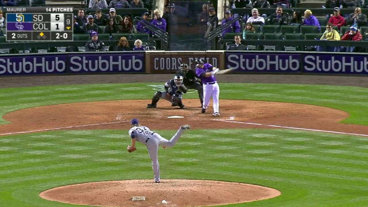 Reynolds' two-run homer