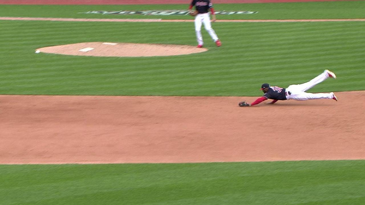 Diaz's fine diving catch