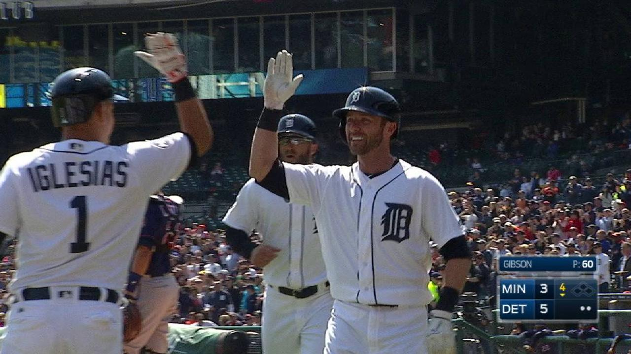 Romine's slam powers Tigers over Twins