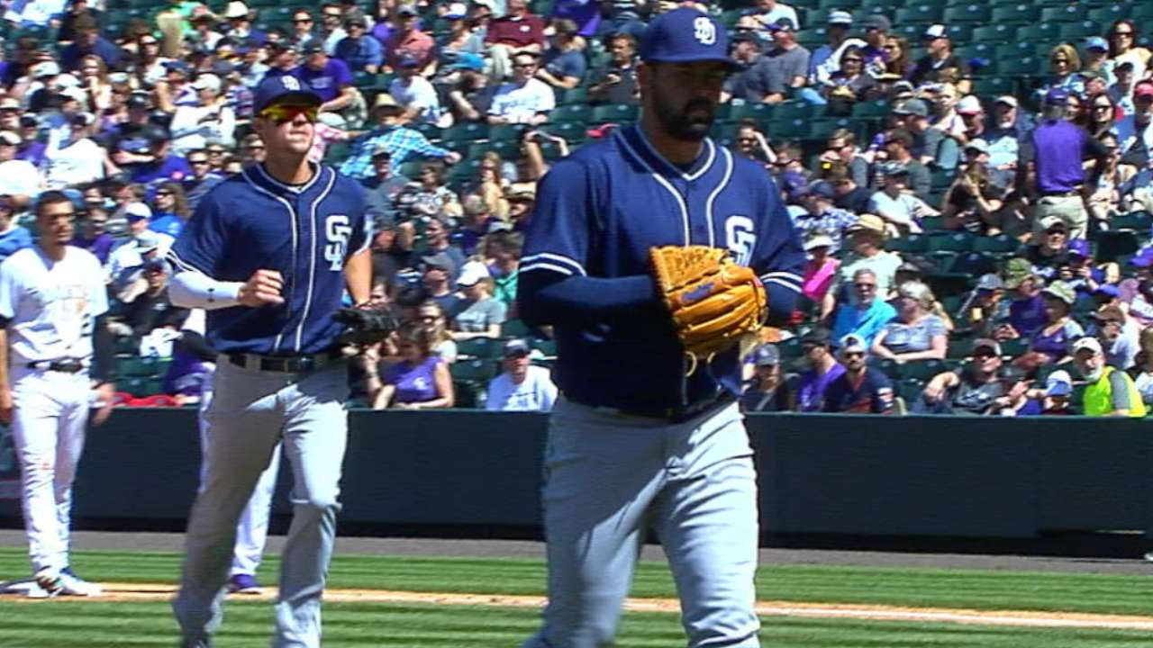 Lee returns to mound with a vengeance