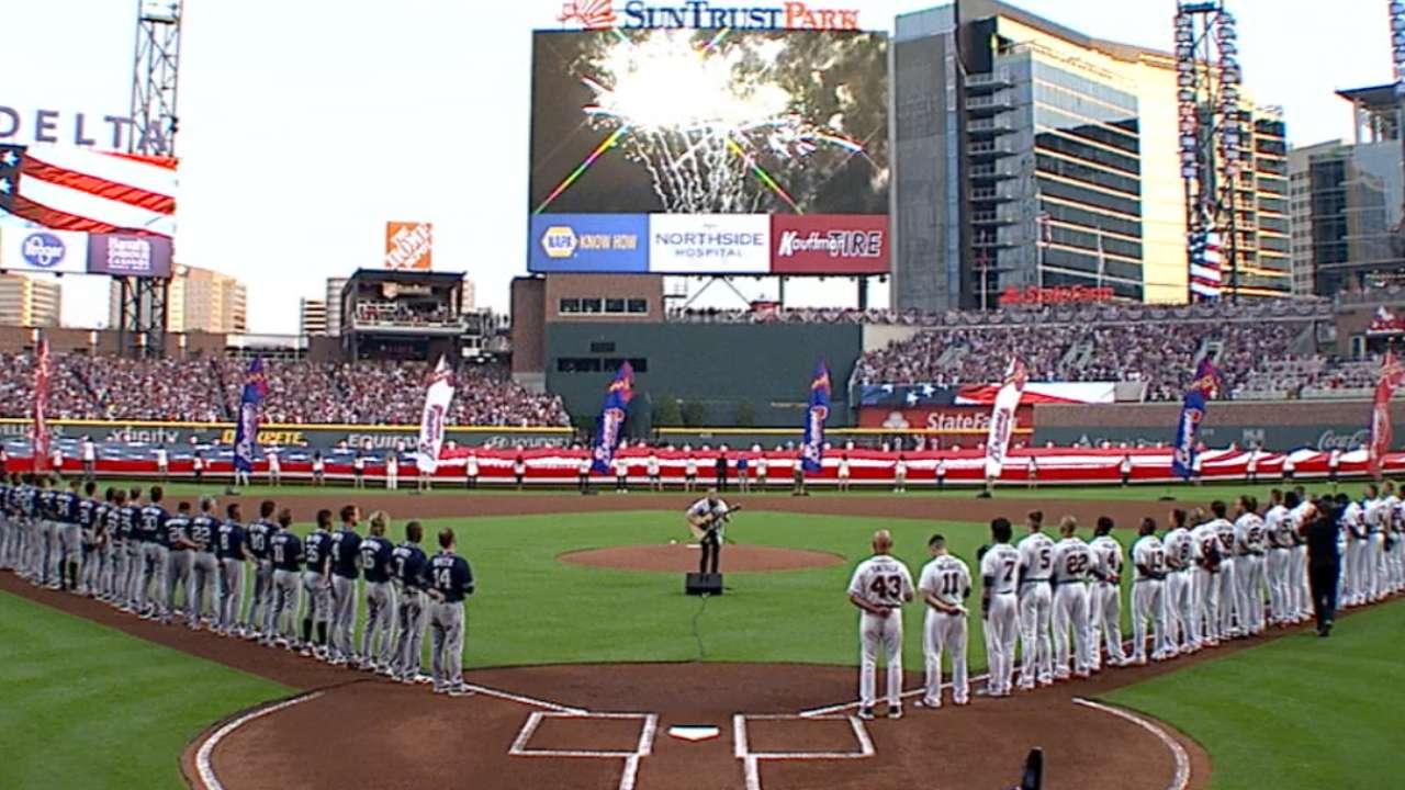 Aaron, Braves luminaries usher in new era